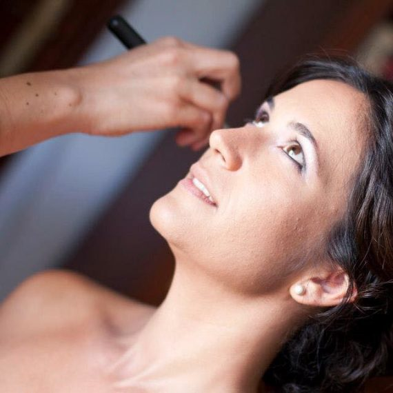 Maquillaje Boda de Luciana. Luisa Portales Make Up, Esteticista Profesional a domicilio en Sevilla.